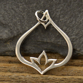 A1104   -SV-CHRM Sterling Silver Teardrop Pendant with Inset Poppy Detail