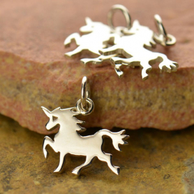 A1432   -SV-CHRM Sterling Silver Unicorn Charm - Animal Charms - Flat