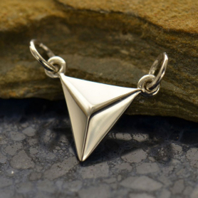 A1526   -SV-FEST Small Triangle Pendant Silver Links DISCONTINUED