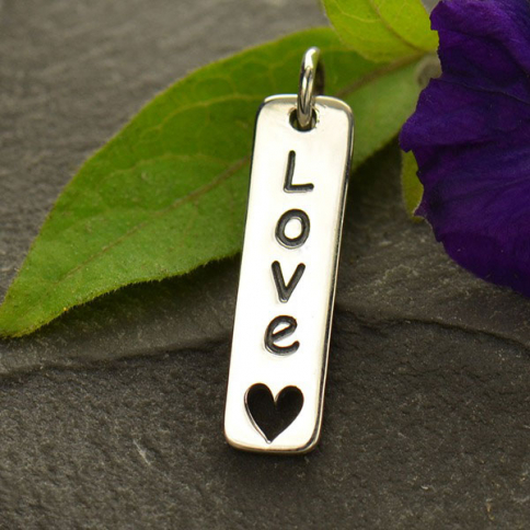 A1595   -SV-CHRM Sterling Silver Word Charm - Love - Vertical w Heart Cutout