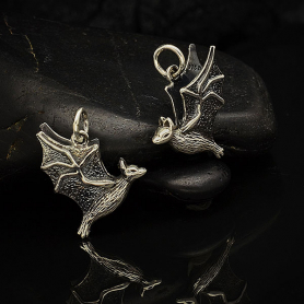 A4052   -SV-CHRM Sterling Silver Flying Bat Charm