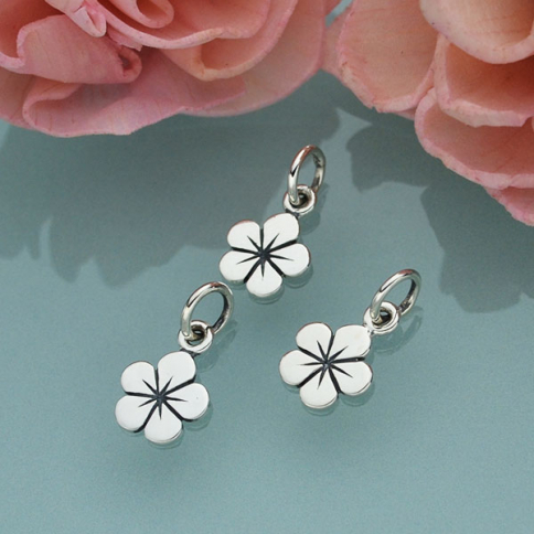 A834    -SV-CHRM Sterling Silver Flower Charm - Tiny