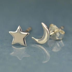 AT1472  -SV-EARR Sterling Silver Stud Earrings - Star and Moon