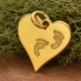 GA1407  -SV-GP1-CHRM Heart Charm w Etched Footprints24K Gold Plate DISCONTINUED