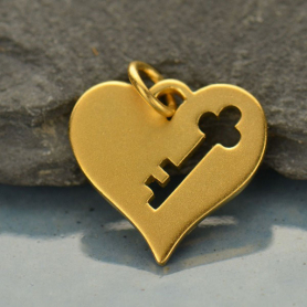 GA1467  -SV-GP1-CHRM Gold Charm - Heart w Key Cutout in Gold Plate DISCONTINUED