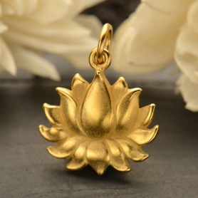 GA1634  -SV-GP1-CHRM Gold Charm - Lg Textured Blooming Lotus with 24K Gold Plate