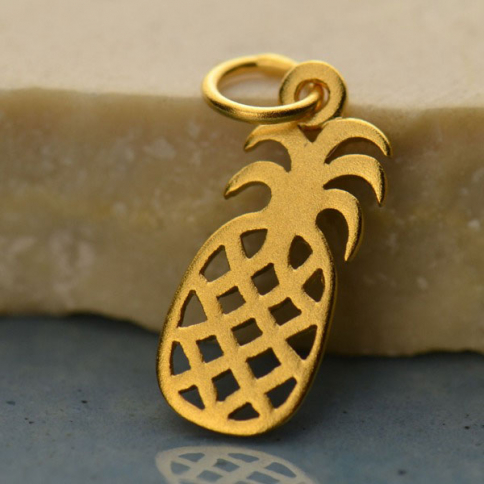 GA718   -SV-GP1-CHRM Gold Charms - Flat Pineapple with 24K Gold Plate