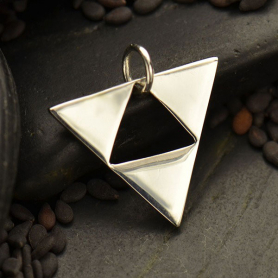 S2993   -SV-CHRM Silver Geometric Pendant - Triangle Pyramid DISCONTINUED