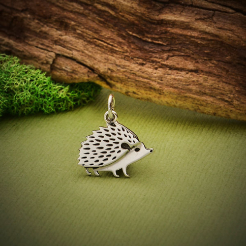 S6191   -SV-CHRM Sterling Silver Hedgehog Charm 16x14mm