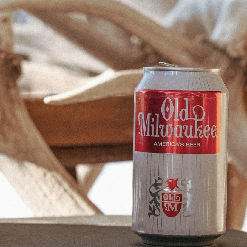 Old Milwaukee Beer 12oz. Cans