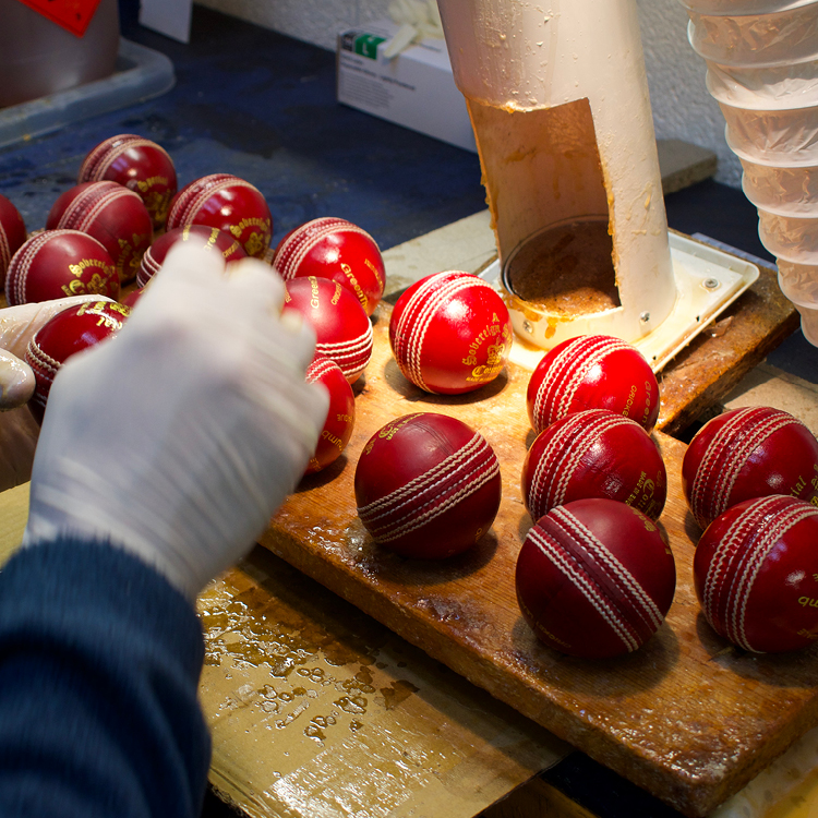 Readers Cricket Ball Manufacture