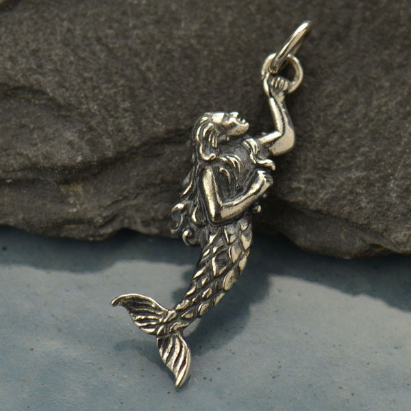 C1916 6 Swinging Mermaid Beach Charms Pendants in Silver Tone