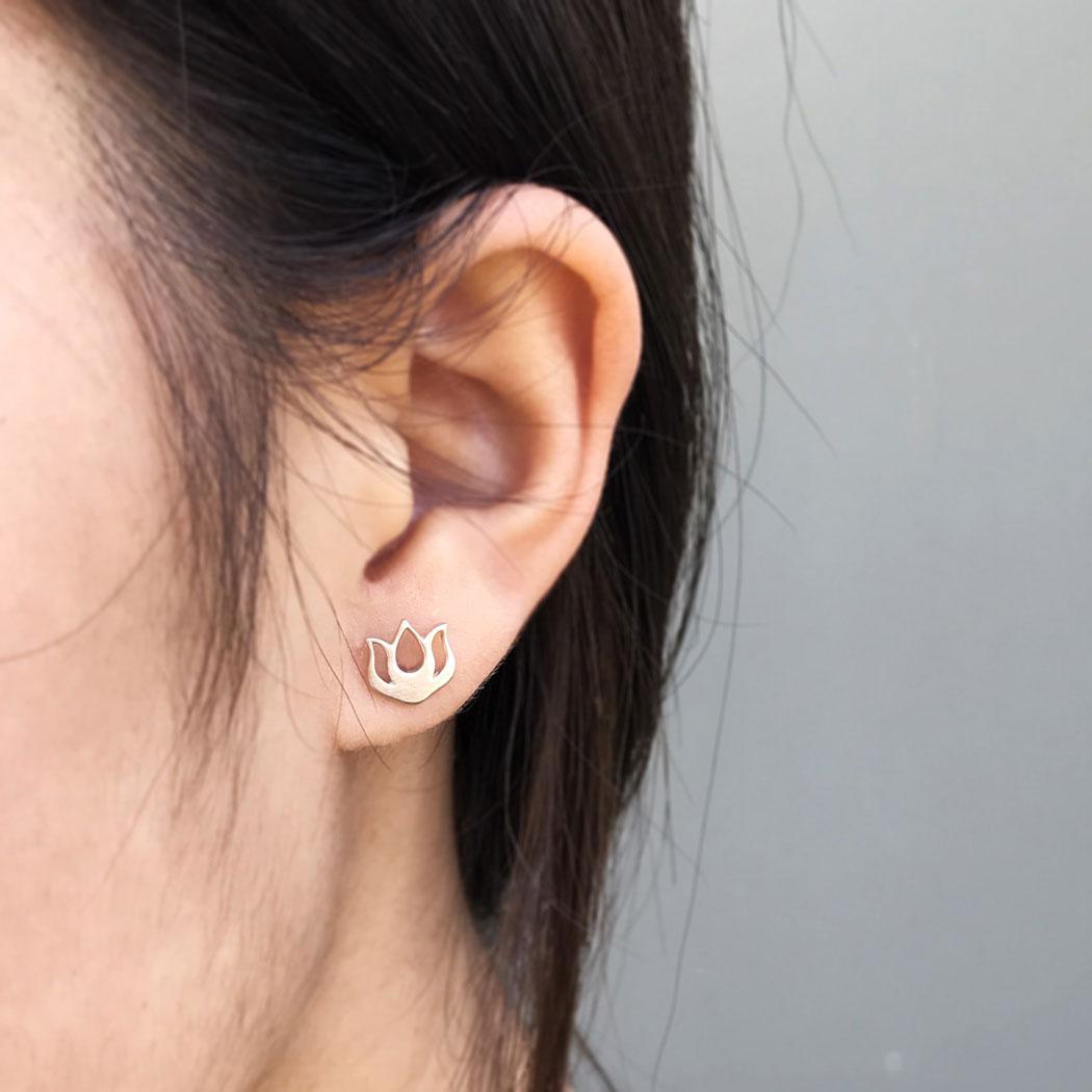 Sterling Silver Lotus Bud Post Earring 8x8mm
