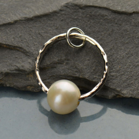 Sterling Silver Hammered Circle Pendant with Pearl