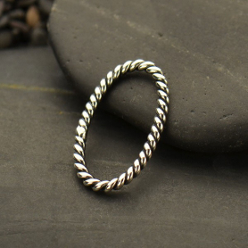 Sterling Silver Twisted Wire Oval Link