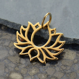 Symmetrical Blooming Lotus Jewelry Pendant - Bronze 18x18mm