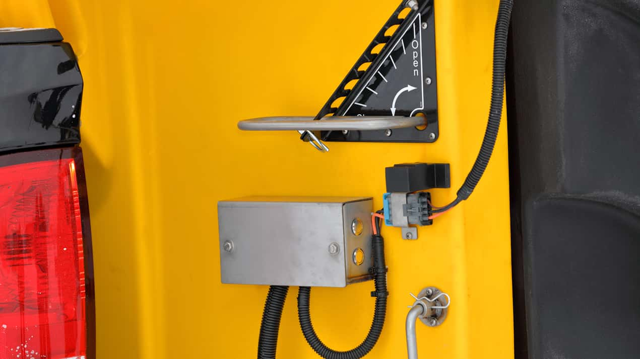 FISHER® POLY-CASTER™ Poly Hopper Spreader - DUMP BUTTON & WORK LIGHT SWITCHES