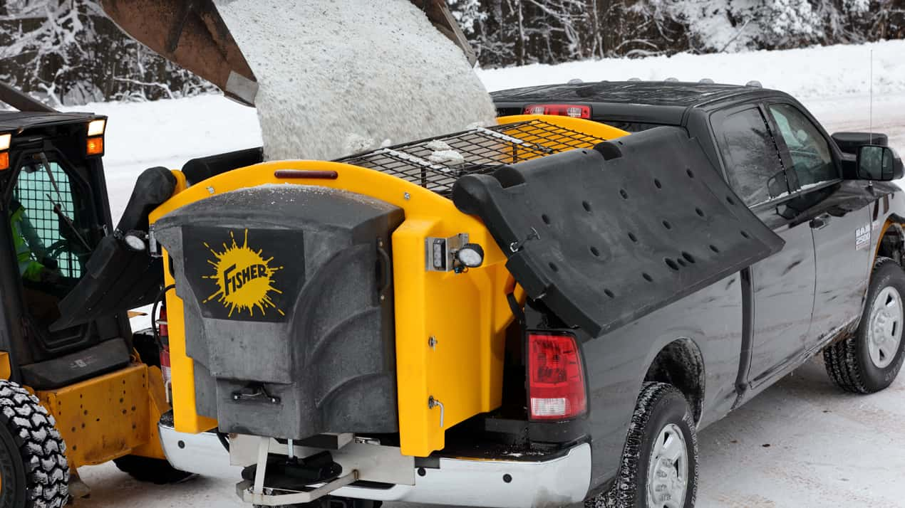 FISHER® POLY-CASTER™ Poly Hopper Spreader - TOP SCREEN