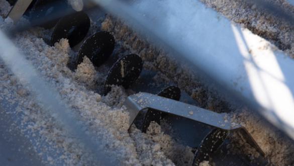 SNOWEX HELIXX™ STAINLESS STEEL HOPPER (1.5 - 6.0 CU YD)