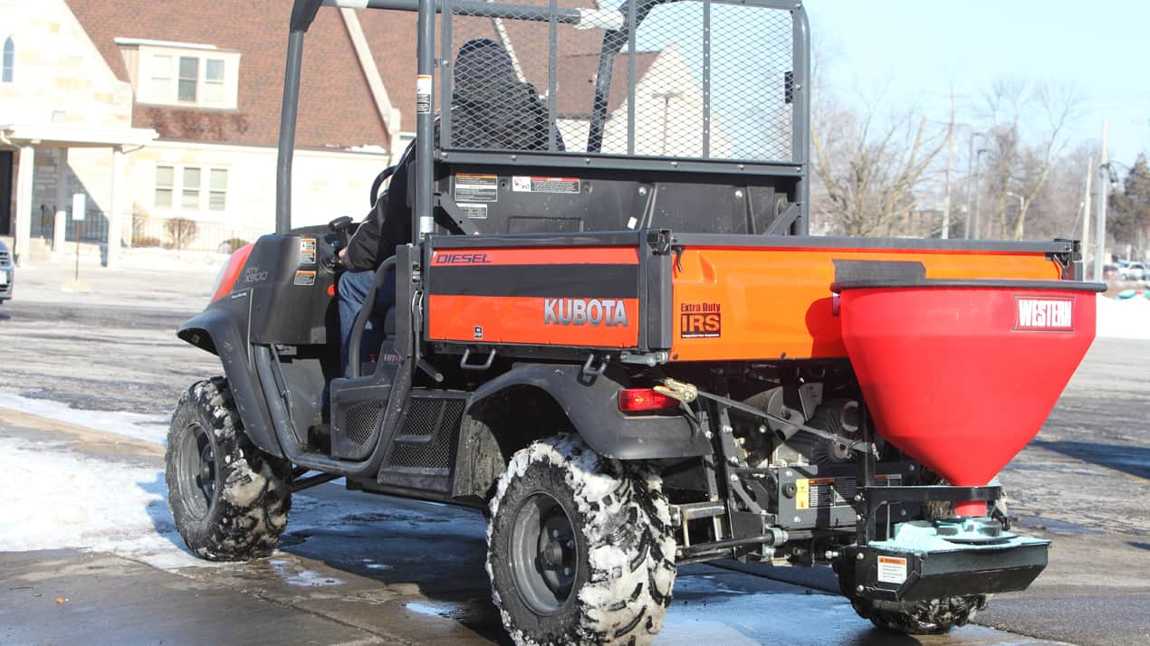 WESTERN® LOW-PRO 300W Wireless Electric Tailgate Spreader - MOUNTING OPTIONS