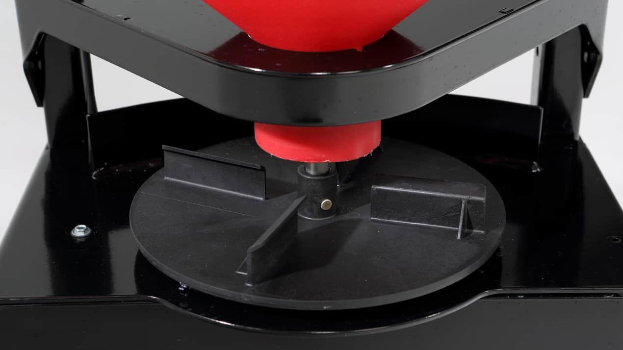 WESTERN® LOW-PRO 300W Wireless Electric Tailgate Spreader - SPINNER