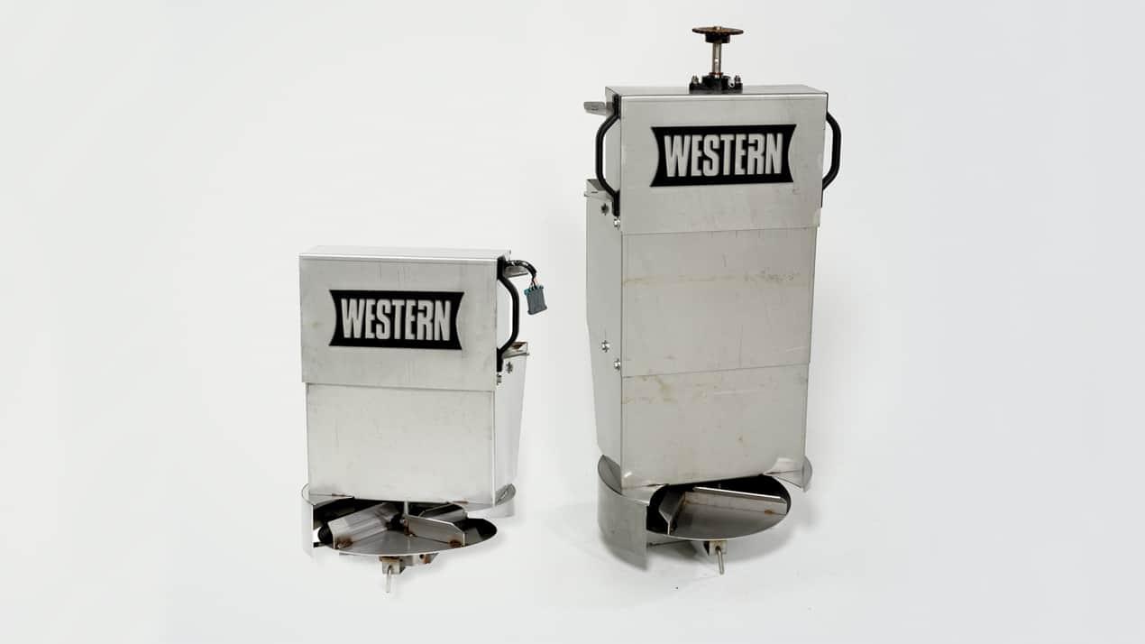 Western STRIKER™ SPREADER - DROP CHUTE