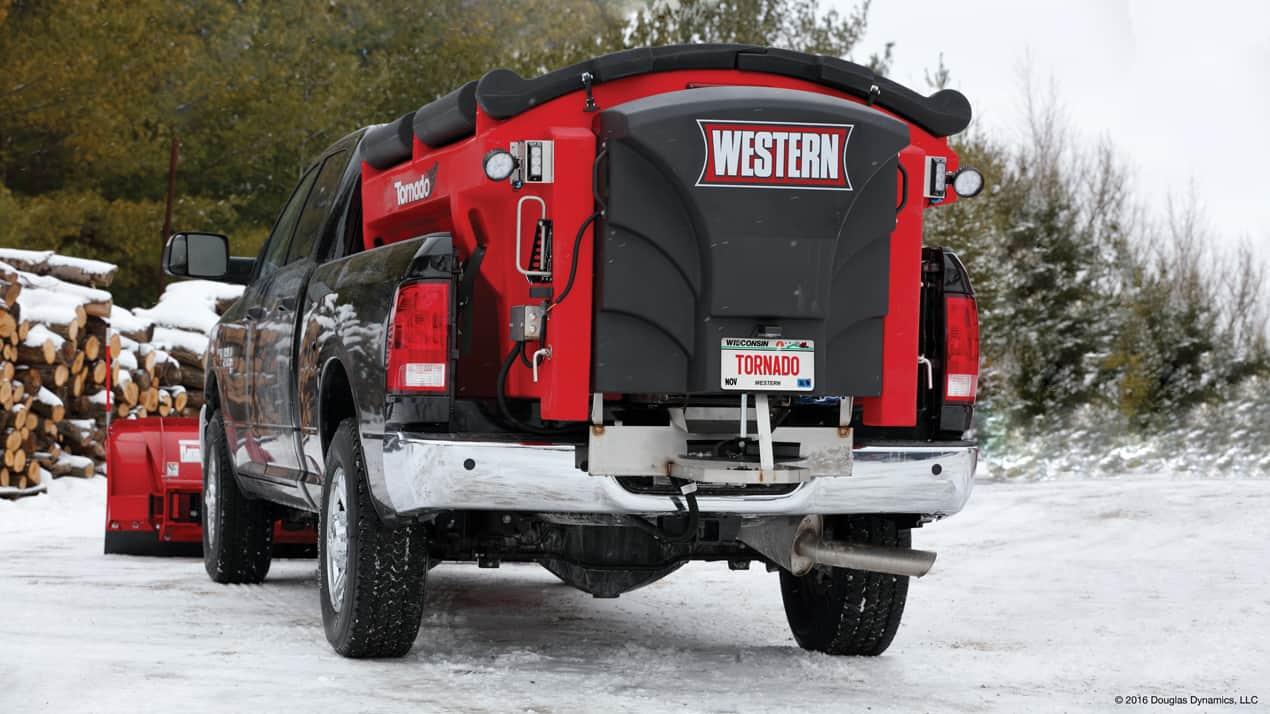 Western Tornado™ Hopper Spreader